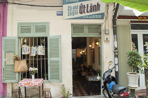 Vẻ đẹp bình dị của những quán cà phê ở Sài Gòn